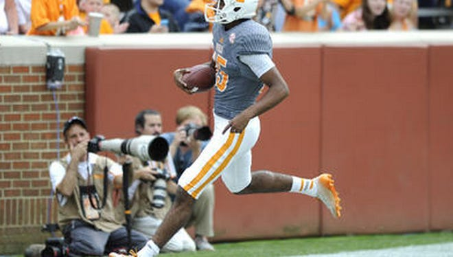 Jauan Jennings scores in the Orange and White Game on April 25, 2015.
