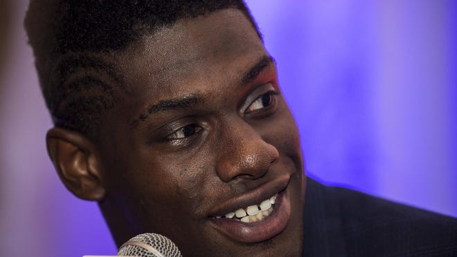 Auburn defensive end Carl Lawson will announce his decision about his football future after the No. 14 Tigers face No. 7 Oklahoma in the 2017 Sugar Bowl on Jan. 2.