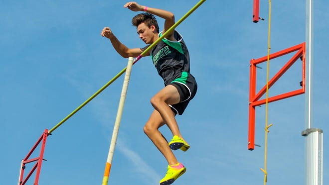 Armand Duplantis competes in the pole vault event at the Beaver Relays on April 7.