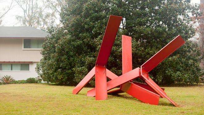 Sculpture on Longleaf Drive
