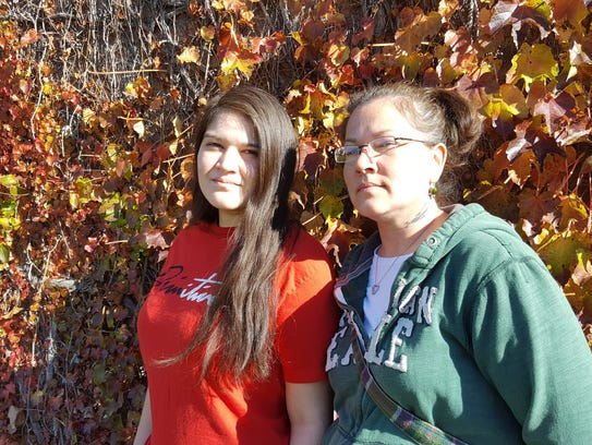 Kinesha Stoner (left) and her mother, Jolene Waupekenay,