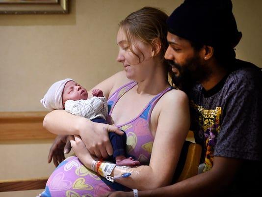 LDN-MKD-121015-New Baby