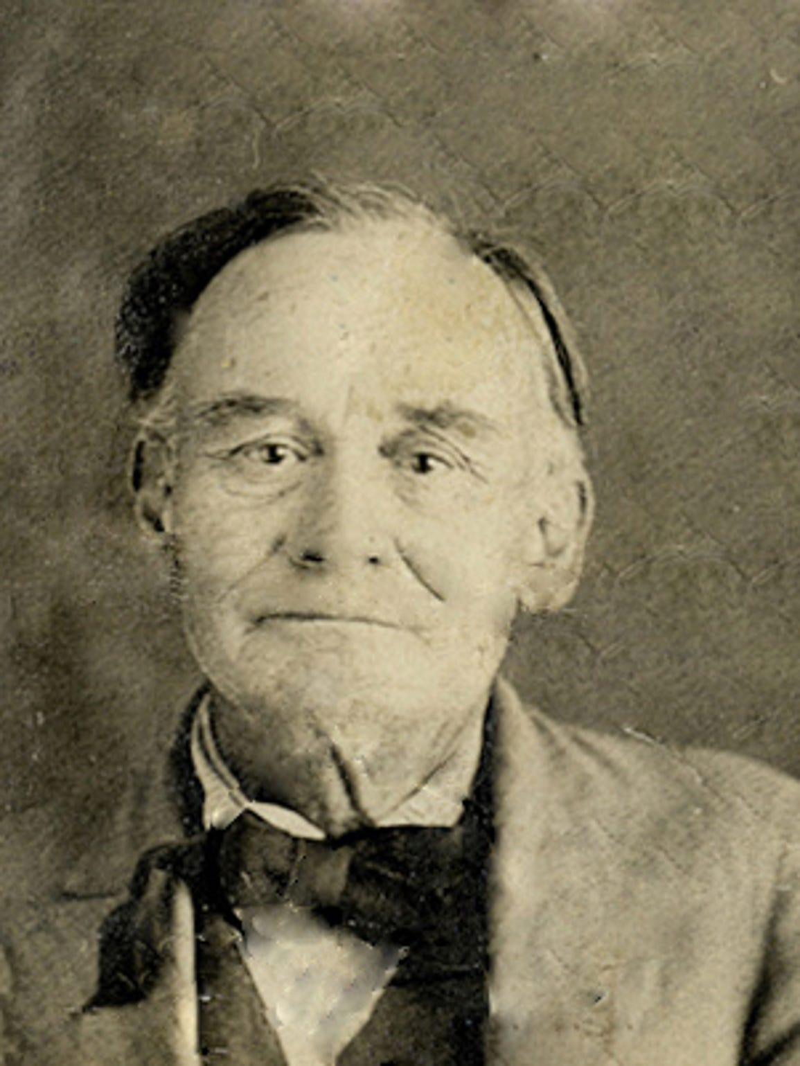Harry Warren, a schoolmaster who lived near Porvenir,