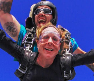 Taking the Plunge: Skydiving for Beginners