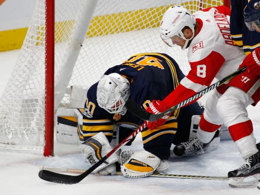 636444821975989202-AP-Red-Wings-Sabres-Hockey-N-8-.jpg