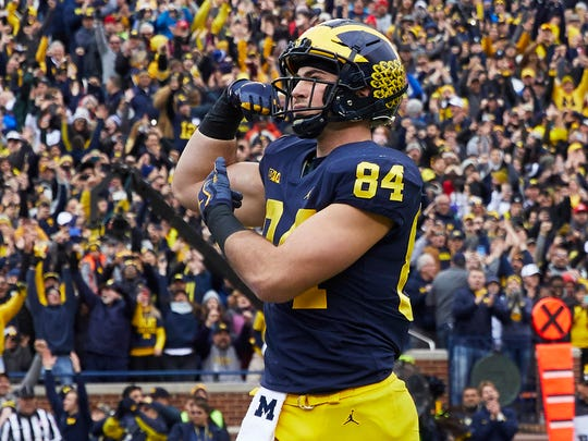 Michigan tight end Sean McKeon celebrates a touchdown in the first half.