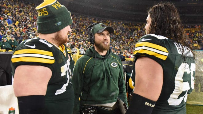 Green Bay Packers receivers coach David Raih and his brother gave their four Super Bowl tickets to veterans in Minnesota.