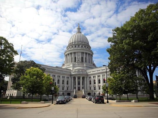 IMG_Wisconsin_State_Capi_7_1_UUGBFD6A.jpg_20161109.jpg
