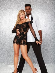 'Fuller House' star Jodie Sweetin will dance with pro