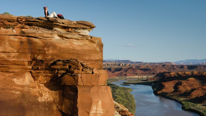 Hundreds of miles of hiking trails are found within Canyonlands National Park, ranging from short walks to day hikes and even overnight backpacking trips.