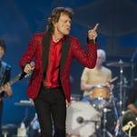 En esta foto del 4 de julio del 2015, Ronnie Wood, Mick Jagger, Charlie Watts y Keith Richards, de los Rolling Stones, durante un concierto en Indianápolis.