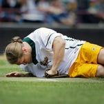 Clay Matthews injured at Packers softball game