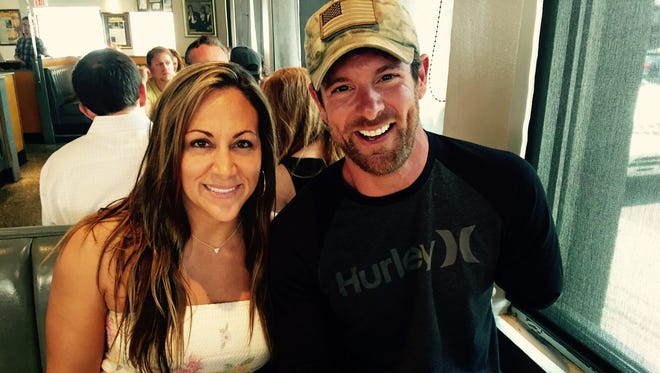 "Army veteran/""Dancing with the Stars"" alum Noah Galloway and his fiancee, Jamie Boyd, have lunch at Noshville on Thursday"