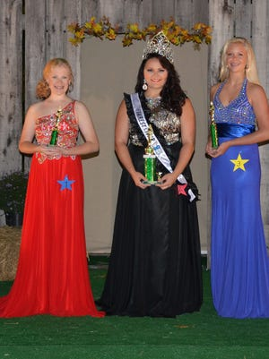 2015 Houston County Miss Fairest of the Fair is Alyssa Taylor Barnes, center. First runner-up was Whitlee Lewis, right, and Larahlyn Pryor was second runner-up.