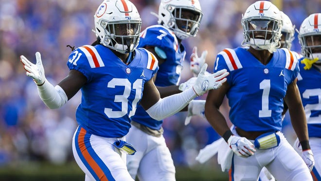 Florida defensive back Shawn Davis was kicked out of Saturday's game.