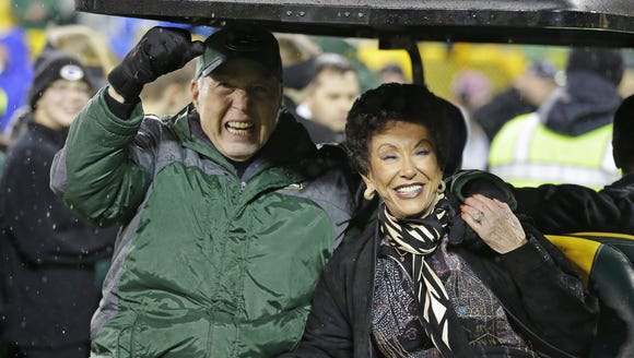 File/USA TODAY NETWORK-Wisconsin Bart Starr, left,