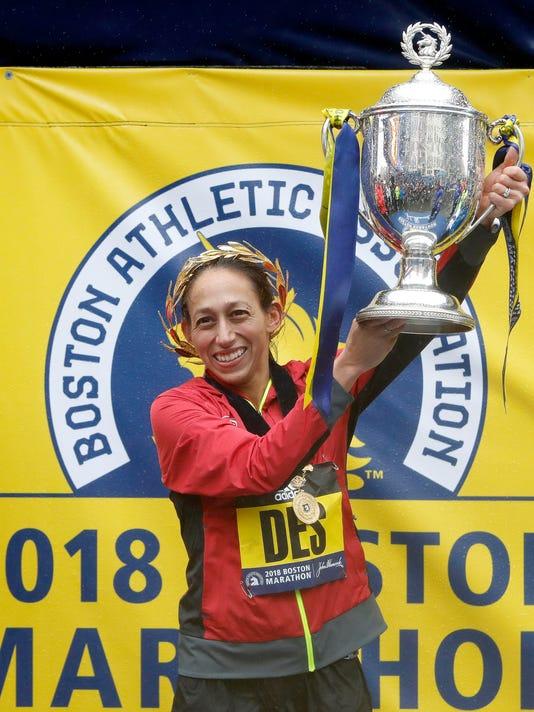 2018-4-16-desi-linden-trophy