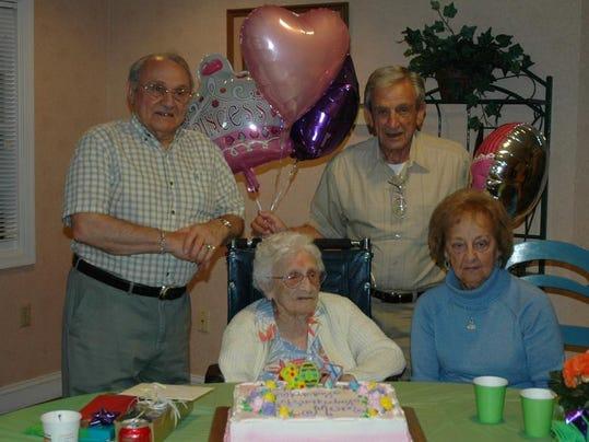 -Mom and family  107th Birthday - 4-13-14 020.JPG_20140414.jpg