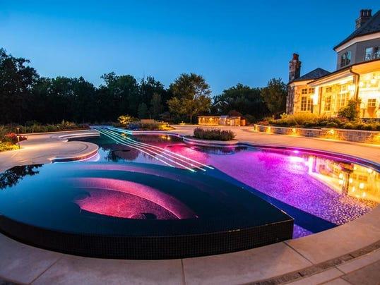Bedford violin pool