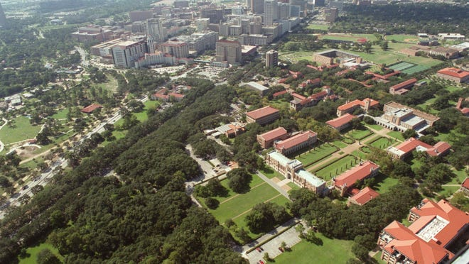 ORG XMIT: TRAX-020928002A CONTACT FILED:  HOUSTON, TEXAS-AERIALS  9/28/2002--Aerial view of the main academic quad on the Rice University campus, today. The Texas Medical Center is at top, across South Main St..   Photo by Steve Ueckert / Chronicle