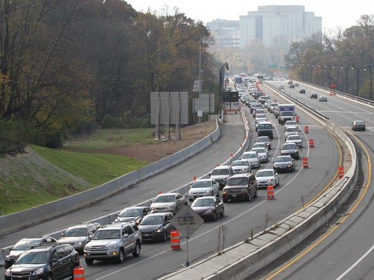 Traffic backs up on I-95 northbound over the Brandywine River bridge late Saturday morning, Nov. 10, 2012, as the interstate remained closed for work at the Concord Pike interchange.