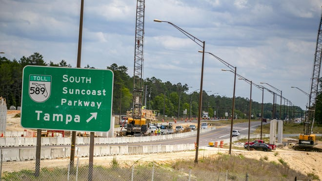 Crews work on the Suncoast Parkway in Hernando County where it crosses U.S. 98. The Florida Legislature, last year, passed legislation to creatde three three major toll roads, which are supposed to bring jobs and fresh opportunity to overlooked regions of Florida.