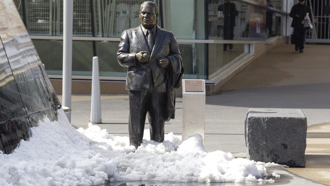 A statue of former Twins' owner Calvin Griffith has been removed as the result of racist remarks Griffith made in a speech in 1978.