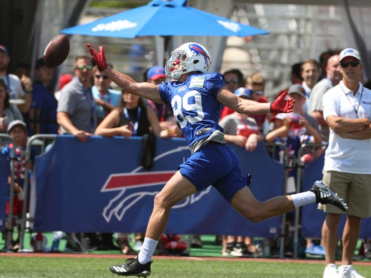 Bills Brandon Reilly can't catch up with this deep pass.