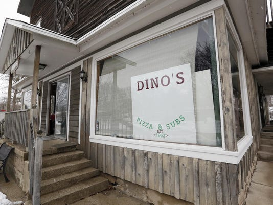 635901978332692079-she-b-Dino-s-reopens-in-Plymouth0203-gck-06.JPG