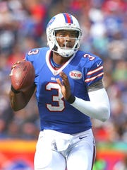 Bills quarterback EJ Manuel is going up against former Bills QB and current Texans quarterback Ryan Fitzpatrick on Sunday.