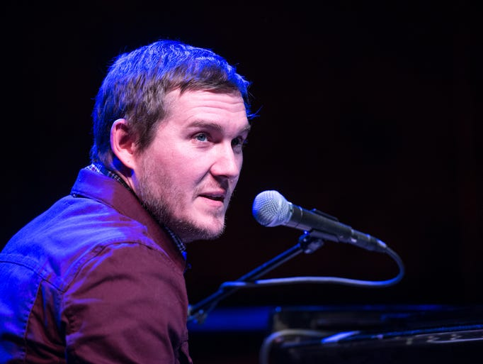 Brian Fallon from the Gaslight Anthem, gave a solo,