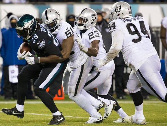 Sports: Eagles-Raiders