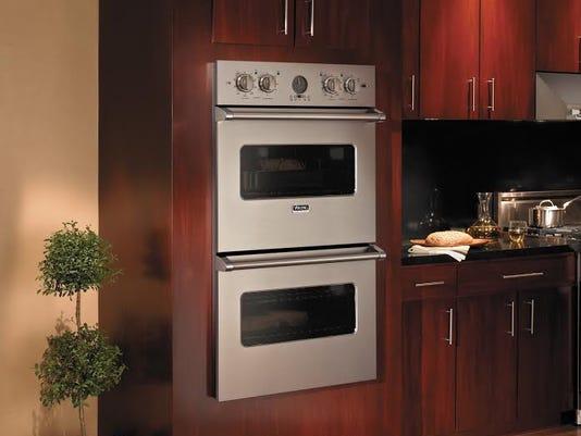 635731772478756423-viking-oven