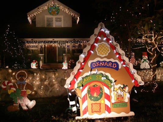 ChristmasTreeLaneGingerbread.JPG