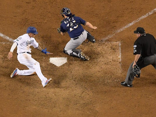 NLCS_Brewers_Dodgers_Baseball_78121.jpg