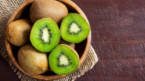 Eating kiwifruit one hour before bed may improve sleep onset and duration.