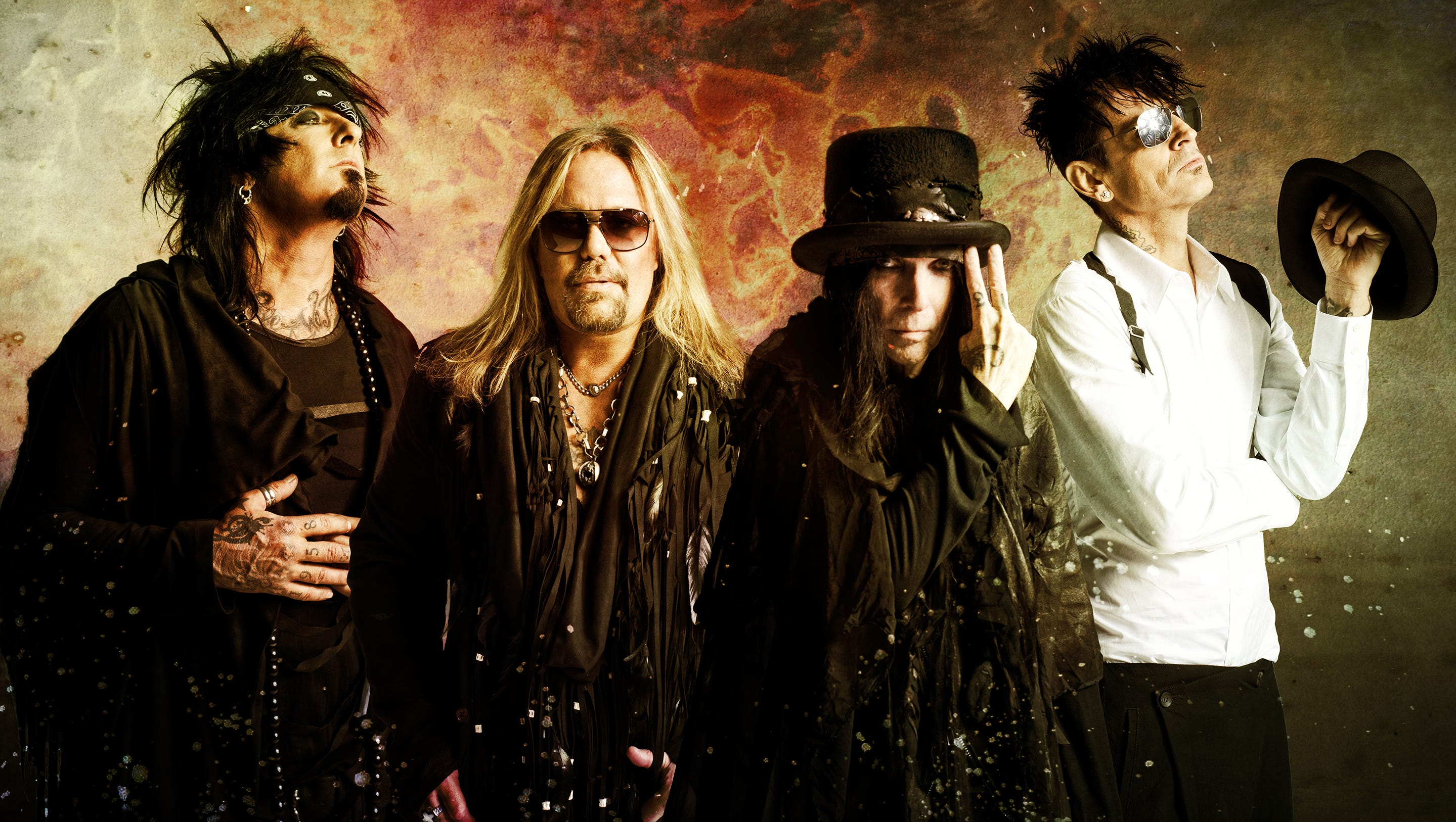 Motley Crue Plans To Go Out Guns Blazing