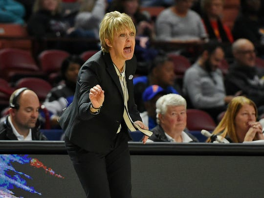 Alabama head coach Kristy Curry calls out a play during the first half of a women's Southeastern conference NCAA college basketball tournament game against Vanderbilt, Wednesday, March 6, 2019, in Greenville, S.C. (AP Photo/Richard Shiro)