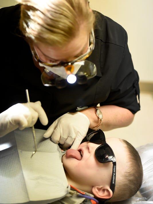 ldn-mkd-021418-dentist-16.jpg