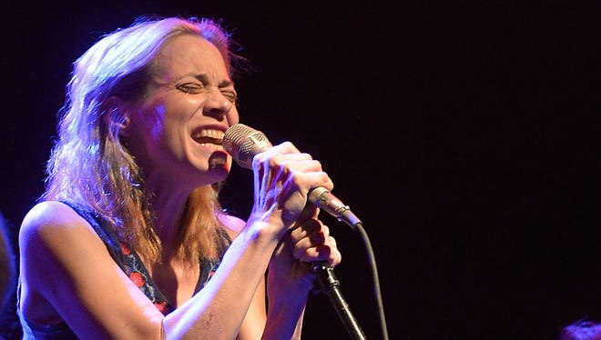 Fiona Apple is very clear about one thing in her new chant.