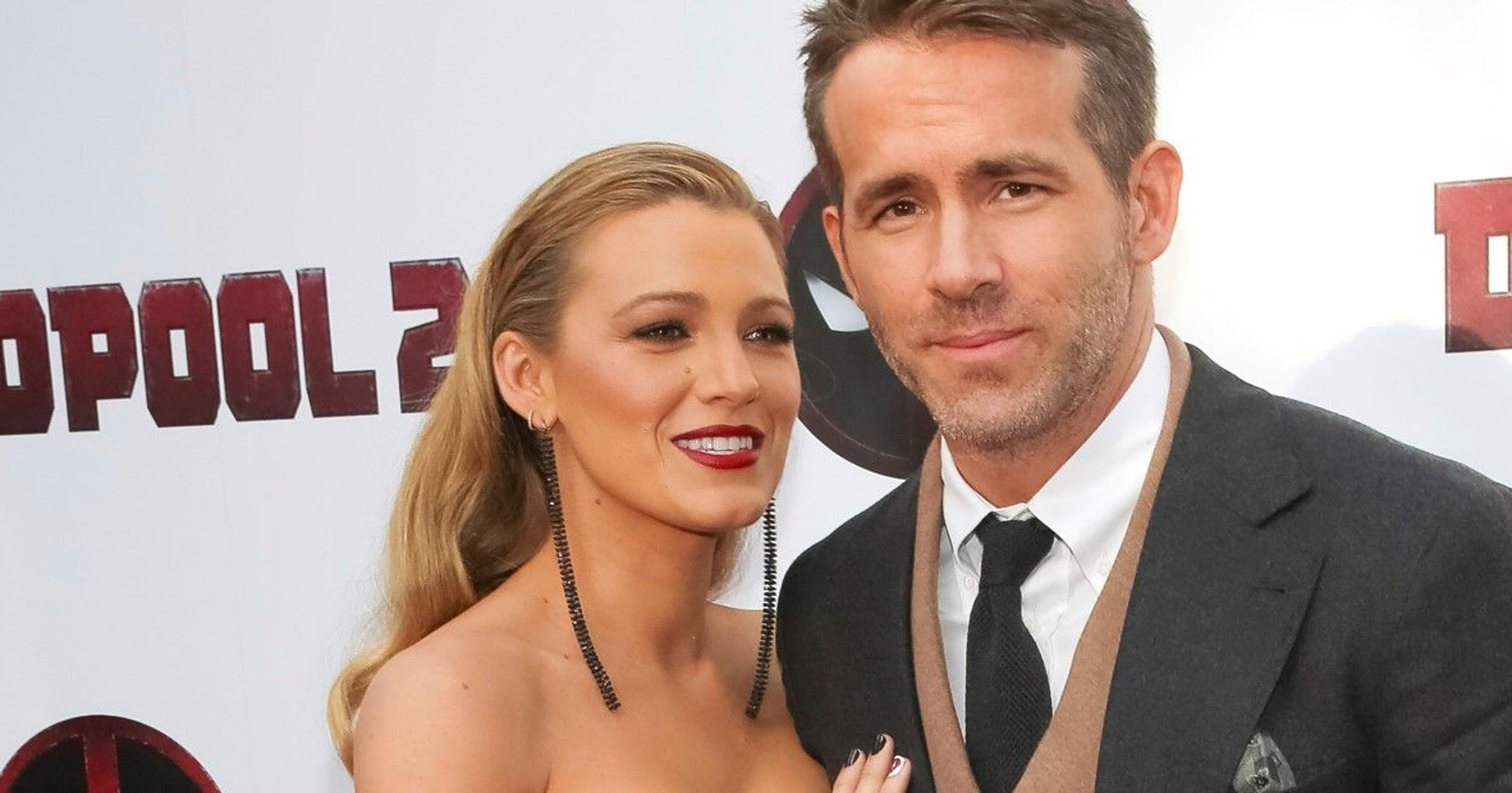 ryan reynolds trolls wife blake lively 39 s risqu instagram photo again. Black Bedroom Furniture Sets. Home Design Ideas