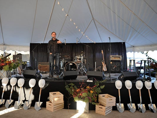 NAS-OVATION GROUNDBREAKING006.JPG