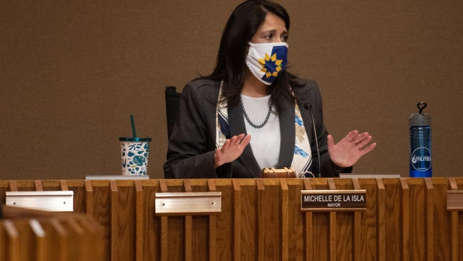 Mayor Michelle De La Isla speaks at a past city council meeting.