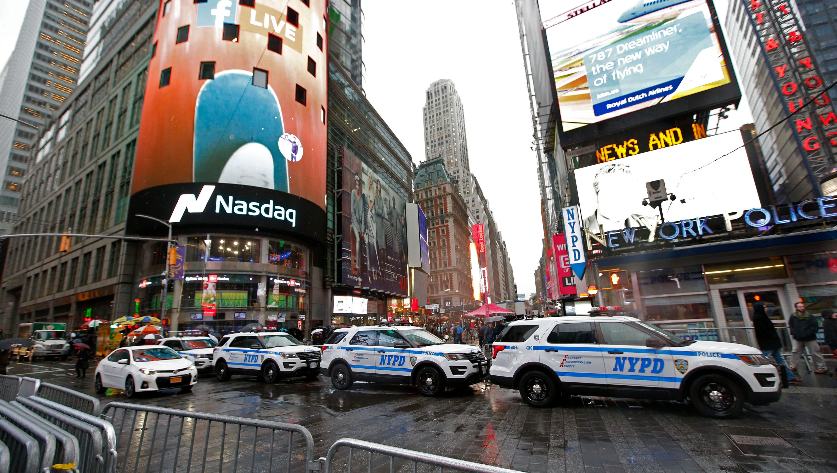 New York Times Square New Year S Eve Security Extremely Tight