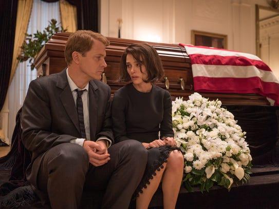 Bobby Kennedy (Peter Sarsgaard) and Jackie (Natalie