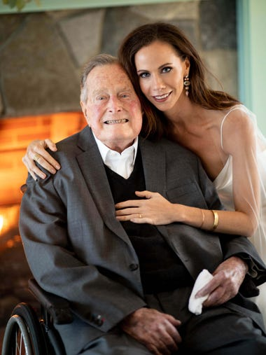 George H. W. Bush and Barbara Pierce Bush in Kennebunkport,