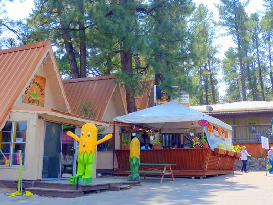 busy shops and restaurants in Ruidoso
