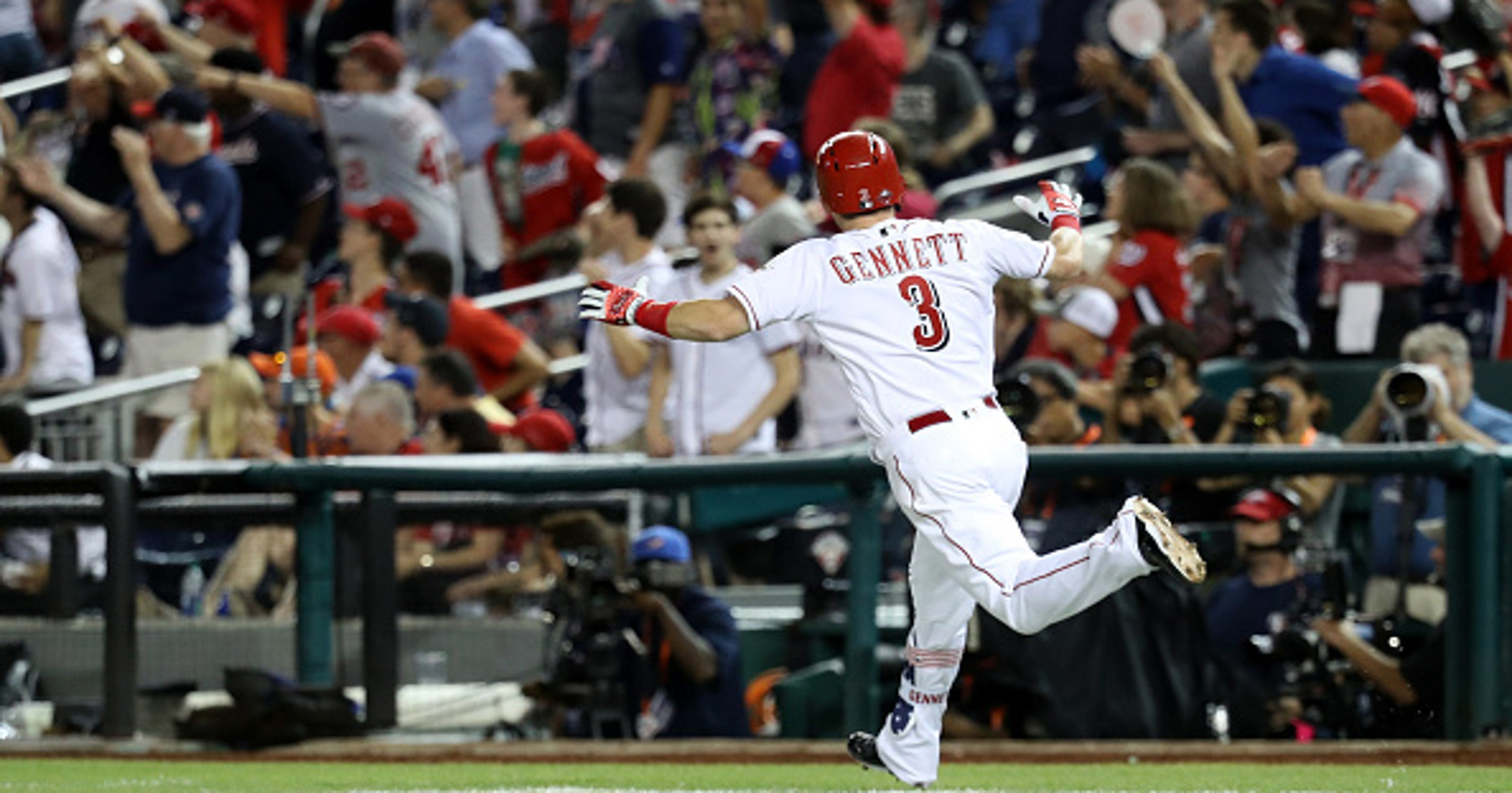 bf06dbf81 Reactions  Scooter Gennett ties All-Star Game with pinch-hit home run in  bottom of 9th