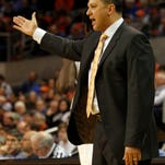 Auburn coach Tony Barbee reacts to a call during the first half of an NCAA college basketball game against Kentucky, Wednesday, Feb. 12, 2014, in Auburn, Ala. (AP Photo/Butch Dill)