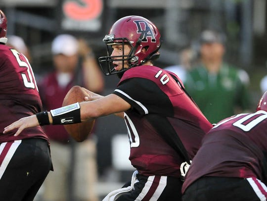 Davidson Academy quarterback Kyle Gilbert (10)
